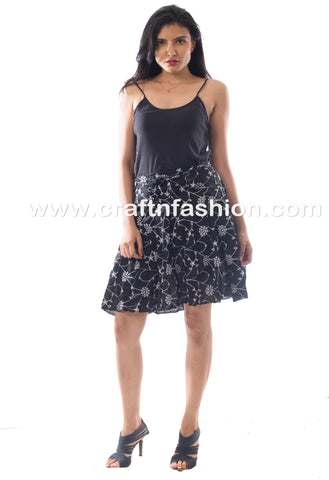 Black Colored Fashionable Hakoba Mini Skirt