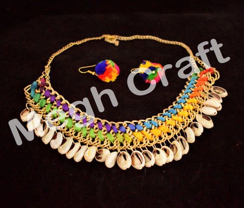 Traditional Pom Pom Shell necklace