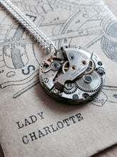 Roderick Vere - Pendants - Lady Charlotte - Packaging 1