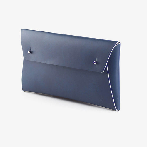 walk with me derren regular pouch leather navy