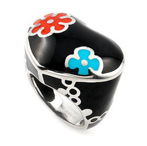 Black Designo Heart Shaped Sterling Silver Cocktail Ring
