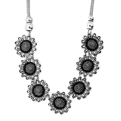 Antique Style Large Silver Daisy Chain Necklace 45 cm in length