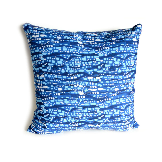 outdoor-deep-blue-glittering-diamonds-square-pillow