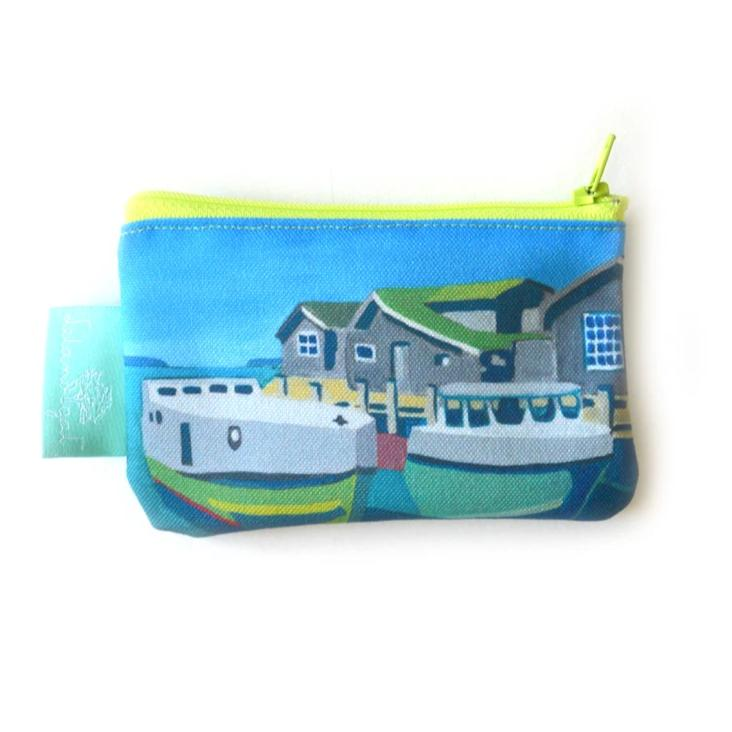 Staggered Tugs Zippered Change Purse