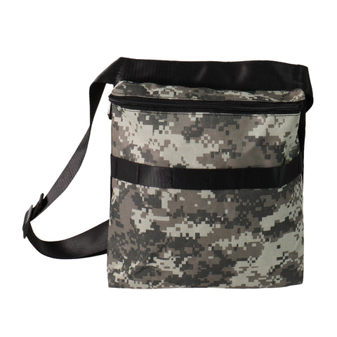 "Metal Detector Camo Bag Finds Pouch with 42"" Waist Belt for Metal Detecting"