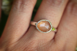 Sterling silver peach moonstone ring US 8.5
