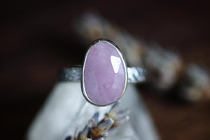 Sterling silver rose cut kunzite ring US size 7