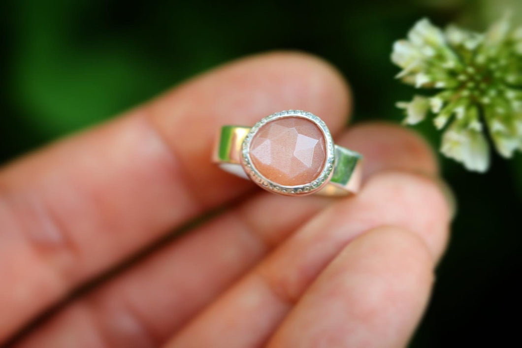 Sterling silver peach moonstone ring US 5.5