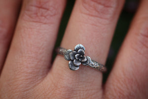 Victorian style succulent ring US 8.5