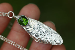Sterling silver cast cicada wing with rose cut chrome diopside