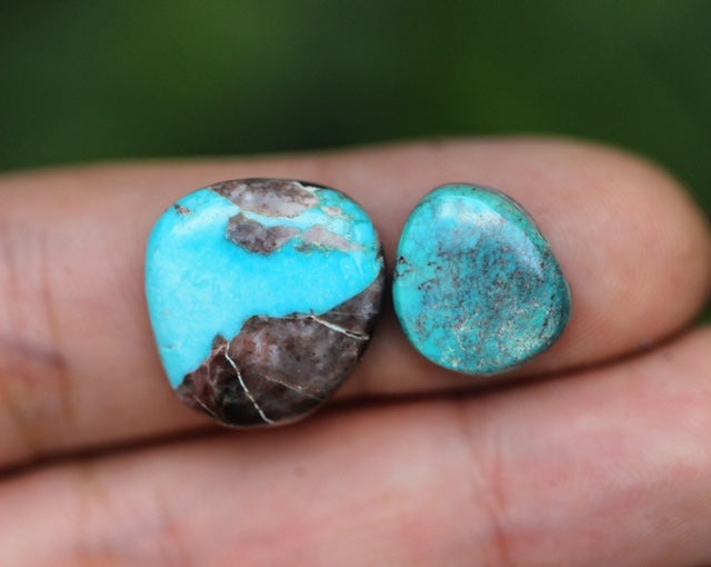Bisbee turquoise cabochon #107