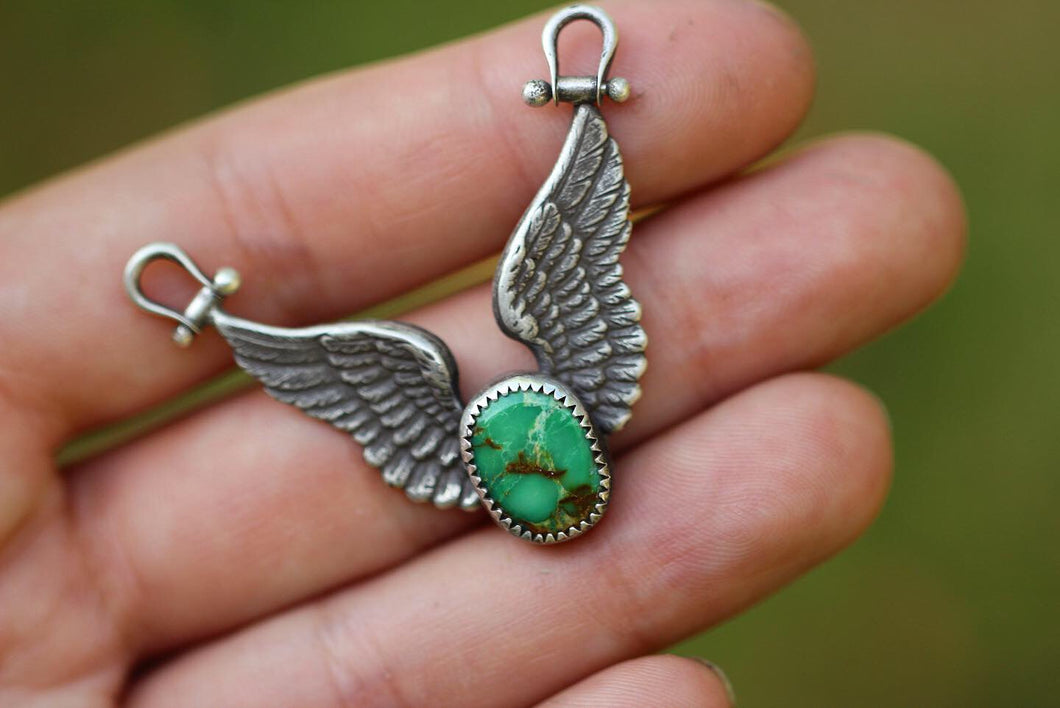 Winged natural fox turquoise necklace