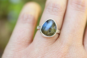 Rose cut labradorite ring US size 6