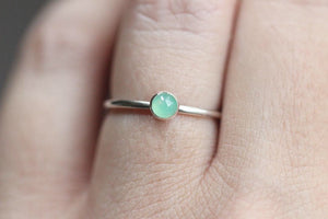 Sterling silver  chrysoprase stacking ring US size 5.75
