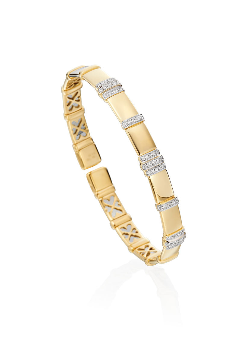 Boyds Essentials, 18kt Yellow Gold Diamond Bangle Bracelet