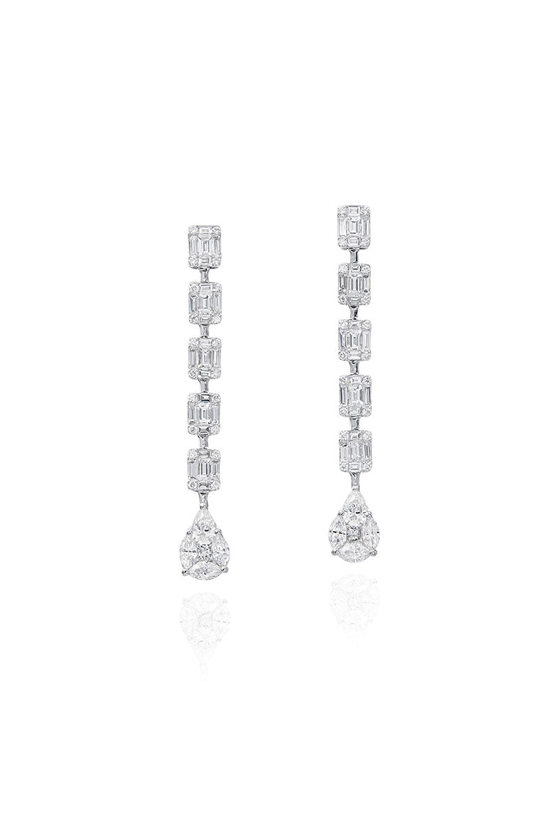 Boyds Essentials, 18kt White Gold Diamond Dangle Earrings