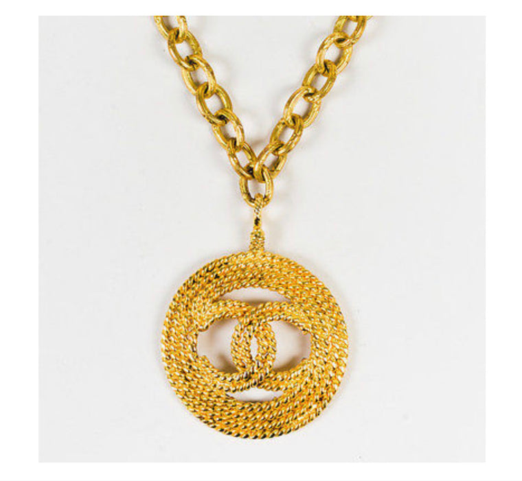 Vintage Chanel Medallion 80s