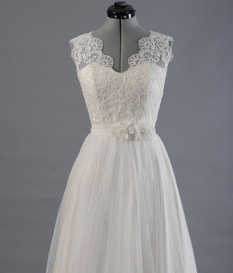 Ivory  Lace  Tullle V-Neck Wedding Dress
