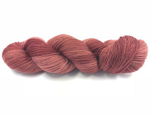 RUSTY NAIL SOCK/FINGERING TONAL