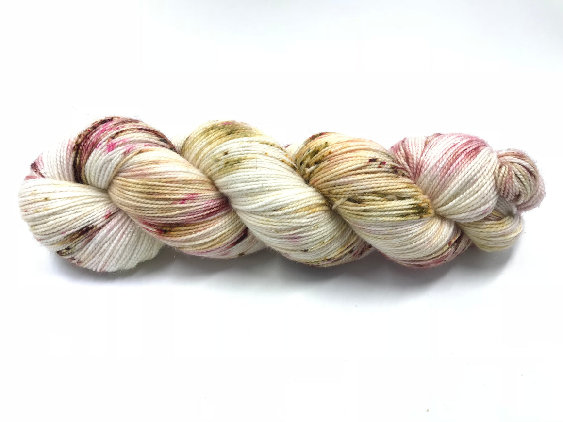 ROSEBUD 2 PLY (GOLD SPARKLE)