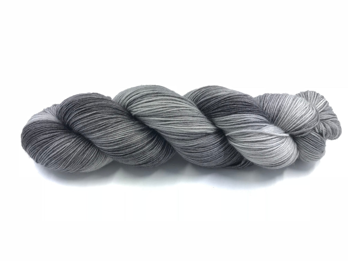 PLATINUM  SOCK/FINGERING TONAL
