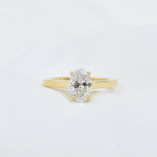 Oval Solitaire | Bespoke