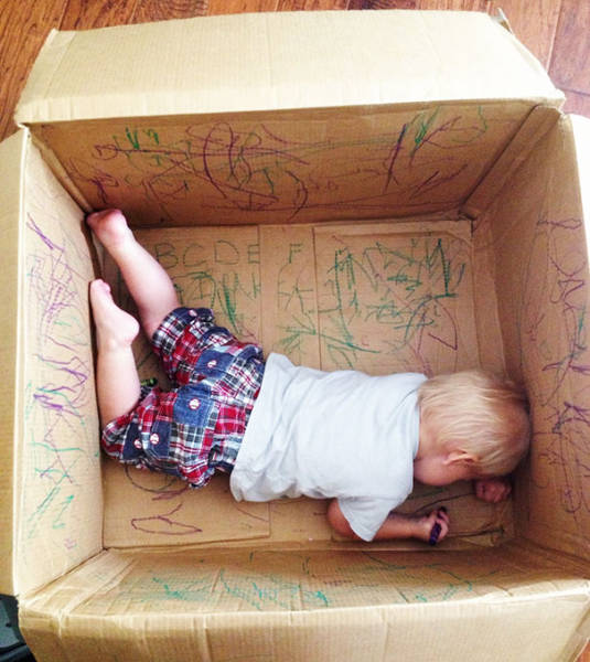 10-leave-your-kids-with-their-creativity-in-the-empty-box