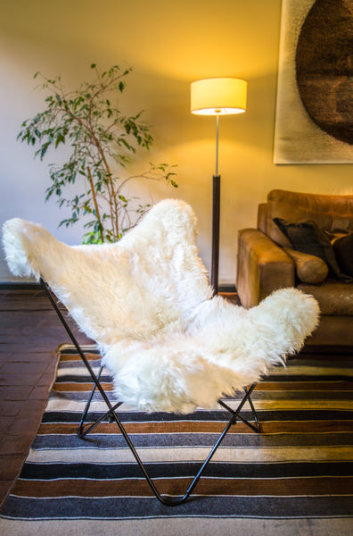PATAGONIA WHITE COZY SHEEPSKIN BUTTERFLY CHAIR