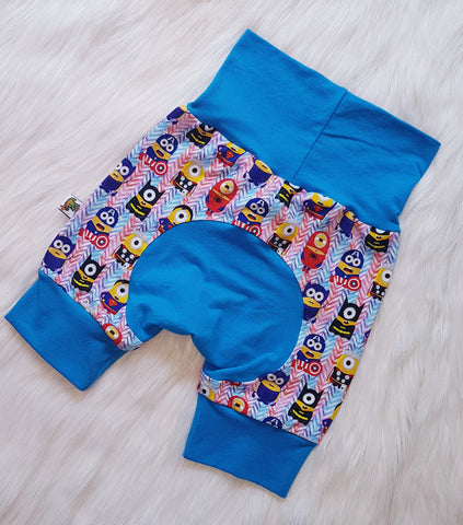 "Grow with me Shorties in ""Super Minion"" print Size Large"