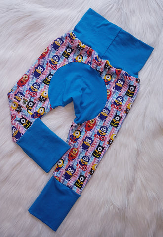 "Grow with me pants in ""Super Minions"" print Size Large"