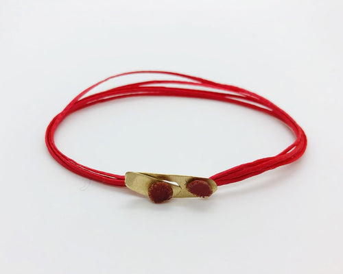 14k small gold clasp bracelet red thread