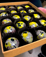 Load image into Gallery viewer, Banana Cacao Nib Crunch Truffles - Box of 20