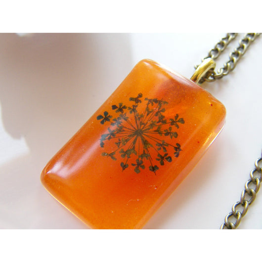 Queen Annes Lace Flower Pendant, Real Flower, Botanical Necklace, Eco Friendly, Orange Resin Pendant, Gift for Her, Mother, Sister, Wife