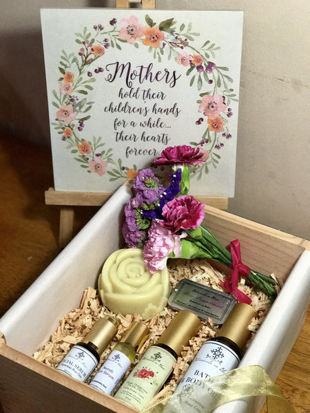 Buy Mother's Love Gift Set with all-natural  skincare products for mothers in the Philippines.