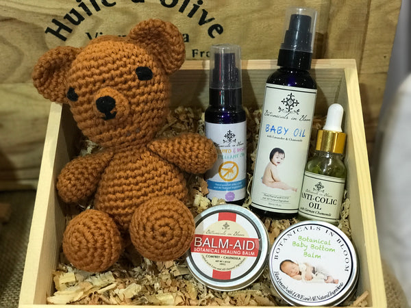 Buy New Baby Gift Set with  all-natural baby oil, anti-colic oil, and diaper rash balm in the Philippines.