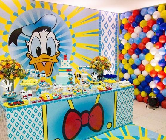 Disney birthday party-Donald Duck birthday-party inspiration-party foods-Decorations Donald Duck-pinata pato Donal-www.thepartyproject.us
