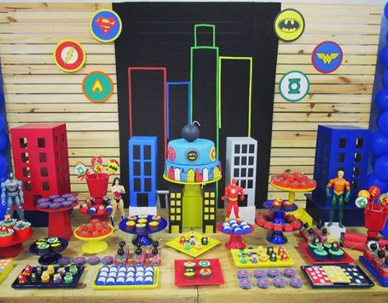 Justice League party idea-Justice League birthday-Justice Leaugue party Inspiration-Justice league themed party-www.thepartyproject.us