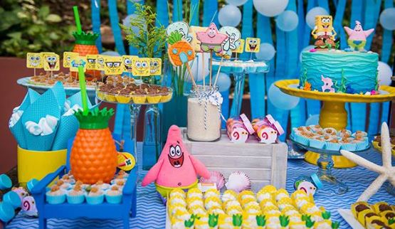 Sponge Bob Candy Bar-Sponge Bob dessert table- Sponge Bob foods- Cake sponge Bob- treats-Birthday party-Party inspiration- Patrick Party-www.thepartyproject.us