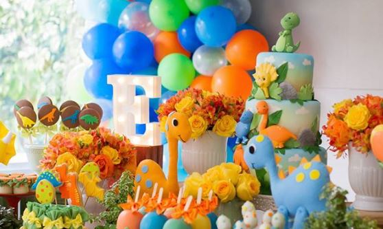 Dinosaur themed party ideas- Jurassic themed birthday party-Jurassic park party-Dinosaur party inspirations-party foods-Cute dinosaur party ideas-www.thepartyproject.us