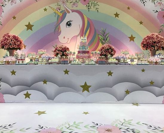 Unicorn birthday party idea- Unicorn party inspiration- Unicorn themed party ideas- Unicorn party decorations-Unicorn dessert table-www.thepartyproject.us