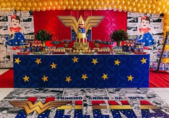 Wonder Woman Party Idea- Wonder Woman Birthday Party- Wonder Woman Party- Party Inspiration- www.thepartyproject.us