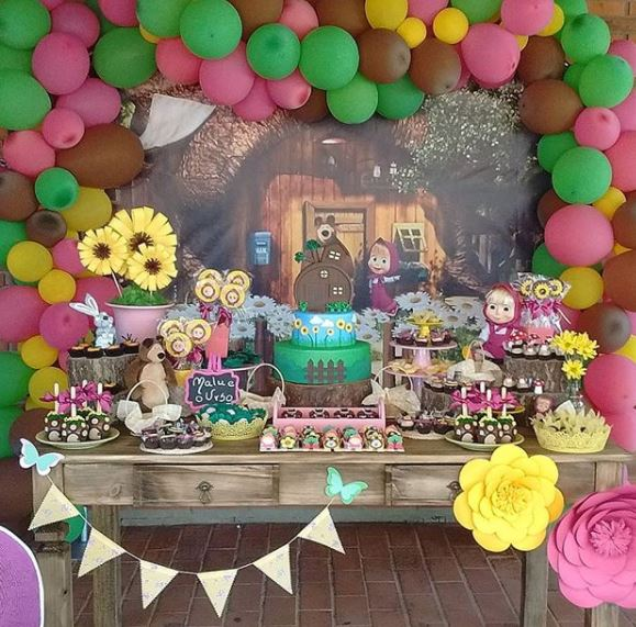 Masha  and the Bear party ideas- Masha and the Bear birthday- Masha and the Bear party inspirations- Masha and Bear decorations- Fiesta Masha y el oso- Masha and Bear birthday-www,thepartyproject.us
