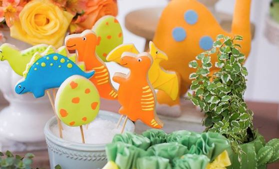 Dinosaur cookies- Dinosaur party foods-Dinosaur Center pieces-Dinosaur themed party ideas-Dinosaur dessert table-treats-Dinosaur dessert table ideas-Birthday-Party inspirations-www.thepartyproject.us
