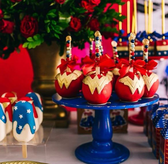 Wonder Woman Party Ideas- Wonder Woman Birthday- Wonder Woman Birthday Party-Wonder Woman Cakepops- Wonder Woman party foods-www.thepartyproject.us