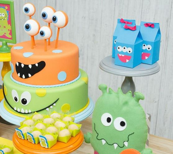 Monsters birthday-Monsters cake ideas-Monsters favor boxes-Monsters candy bar-Monsters party inspiration-Fiesta tematica monstruos-Torta cumpleanos mostruos-Monsters party foods-Monsters Treats-by the party project