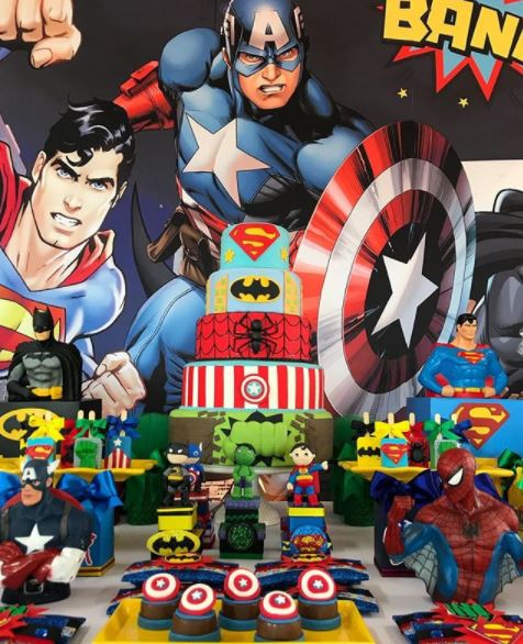 Superheroes and Avengers themed party ideas- Superheroes cupcakes- Avengers dessert table-Captain America party- Superheroes cake- Avengers themed party- Superheroes party foods-www.thepartyproject.us