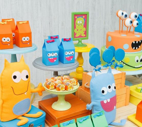 Monsters birthday-Monsters party idea-Monsters favor boxes-Monsters treat holders-monsters cake-monsters candy bar-monsters dessert table-Monsters party inspirations-Fiesta monstruos-by the partyproject