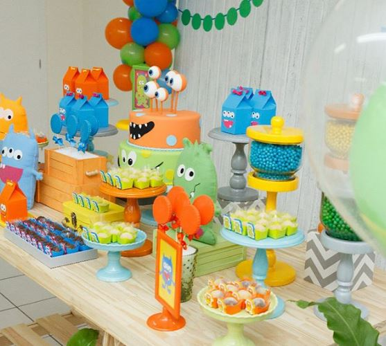 Monsters party ideas-Monsters Decoration party-Monsters party inspirations-Monsters cake- Monsterns cookies-Monsters treat holders-Monsters Favor boxes-Monsters candy bar-Monsters center pieces-www.thepartyproject.us