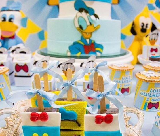 Donald Duck cakepops- Donald Duck treats-party foods-Donald Duck favor boxes-Decorations-Donald Duck dessert table-www.thepartyproject.us