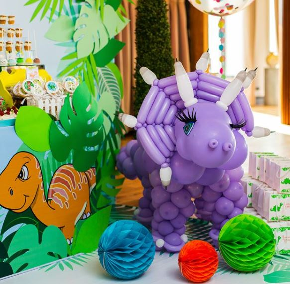 Dino birthday party ideas- Fiesta dinosaurio- Dinosaur party- Dino party decorations- T-rex party- Dino party inspirations-by the party project.